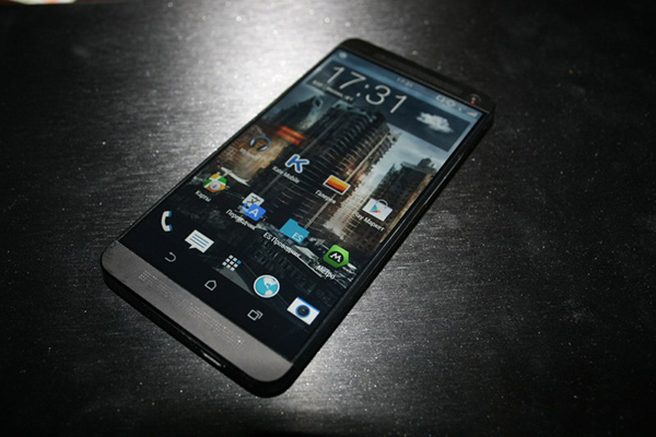 HTC M8 HTC One 2_3