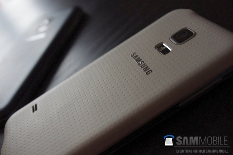 Samsung Galaxy S5 mini_005