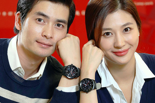 LG-G-Watch-R-launch-Oct-14-02-600