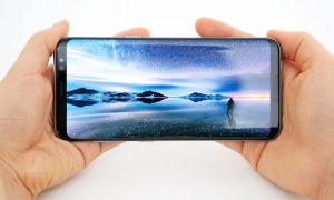 Galaxy-S8-Display_main_2