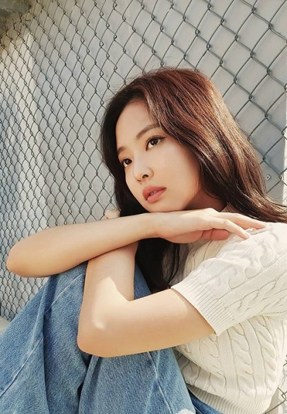 B-Cut_Galaxy-A_Jennie_10_
